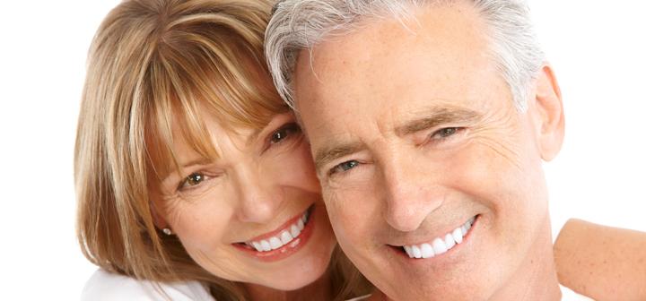smiling-couple-dentures-sm